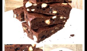 Brownies au cacao cru et noix de macadamia