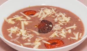 Soupe aux haricots rouges cheddar et chorizo