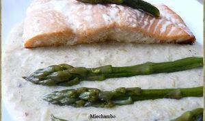 Pavés de saumon à la crème d'asperges vertes