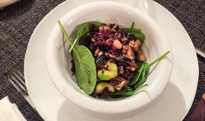 Pois chiches, kale et aubergines grillées