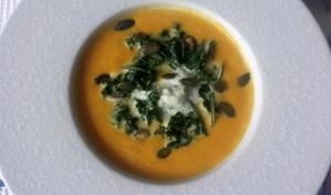 Velouté potimarron, crème d' herbes