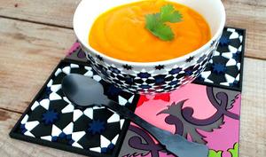 Soupe de carottes, moutarde et coriandre