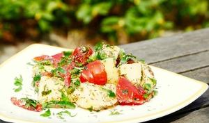 Salade satiété de pommes de terre et tomates