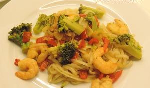 Vermicelles de riz aux scampis et brocoli