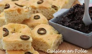 Focaccia olives vertes, thym, et fleur de sel