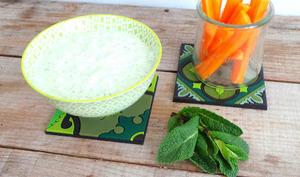Sauce dip concombre, feta et menthe
