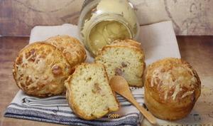 Petits moelleux au fromage moutarde et lardons