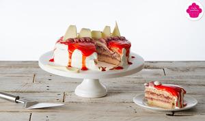 Layer cake à la confiture de fraises, mousse de framboises et chantilly mascarpone