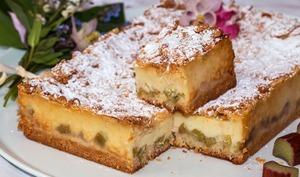 Gâteau crémeux à la rhubarbe