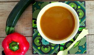Soupe poivrons et courgettes à déguster chaude ou froide