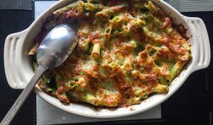 Gratin de pâtes au pesto et aux fromages italiens