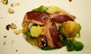 Salade de pommes de terre primeurs magret fumé artichaut