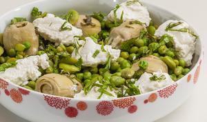 Salade petits pois, fèves, artichauts et ricotta