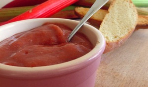 Beurre de rhubarbe rôtie au miel