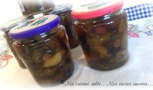 Confiture de courgettes vanille, pommes, raisins secs et cranberries