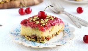 Gâteau renversé cerises et pistaches
