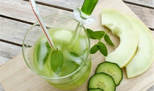 Agua fresca, melon jaune, concombre et menthe