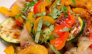 Salade de légumes grillés au vinaigre balsamique à la framboise