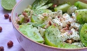 Salade de quinoa verde concombre, tomates et haricots verts