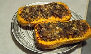 Butternut farcie aux champignons et aux châtaignes
