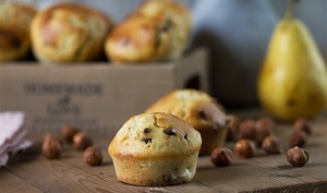 Muffins poires-chocolat-noisettes