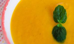 Gaspacho à la carotte et à la menthe