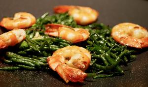 Le secret de la Salicorne. Salicorne et crevettes grillées