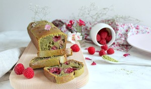 Cake matcha framboises végétalien