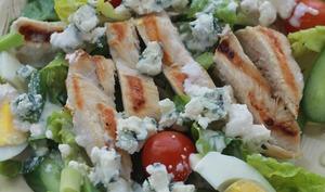 Salade de poulet sauce au fromage bleu