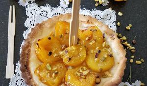 Tarte flambée sucrée mirabelles et pistaches