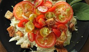 Salade de fenouil et sauce crémeuse