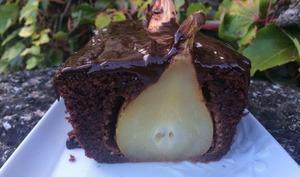 Cake moelleux au chocolat amandes et poires entières