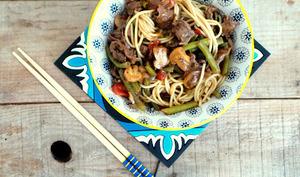 Poêlée asiatique au bœuf, poivrons, haricots verts et champignons