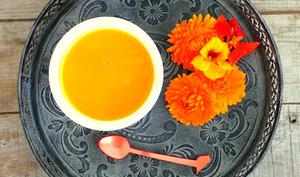 Soupe veloutée au potiron et pommes