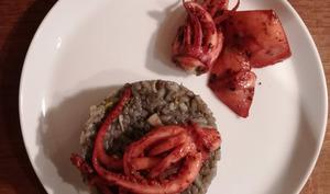 Risotto noir aux encornets et aux poireaux