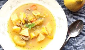 Soupe azérie aux coings, agneau et châtaignes