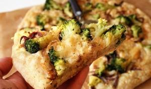 Pizza crème brocolis bio