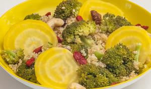 Salade de quinoa au brocolis et betterave