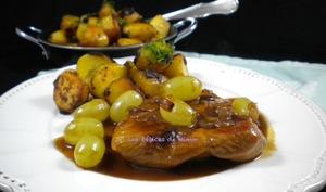 Sauté de dinde aux raisins et au sirop de Liège