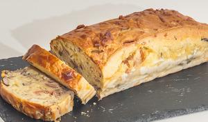 Cake jambon, cèpes et emmental