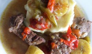 Ragoût de bœuf aux bananes plantain