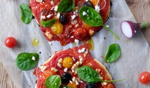 Pizza tomate et fêta