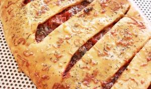 Fougasse rapide à la tomate, au jambon, comté et romarin