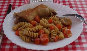 Cuisses de poulet, carottes et pâtes à la bière brune