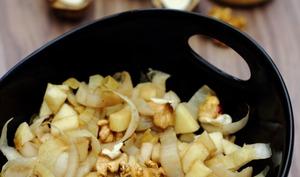 Salade d'endives à la pomme et noix