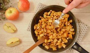 Poêlée pommes, caramel, noisette