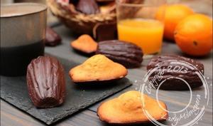 Madeleines à l'orange et leur coque en chocolat