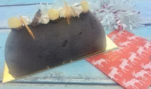 Buche de Noël au pain d'épices, poires caramélisées et Dulcey