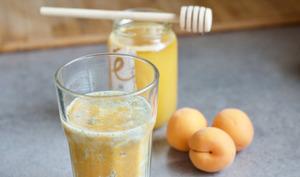 Smoothie à l'abricot et au miel