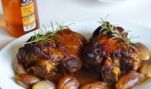 Jarret de porc glacé au miel et vinaigre de cidre